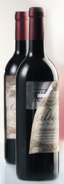 RFID-Etikett an Weinflasche (Bild: PolyIC)