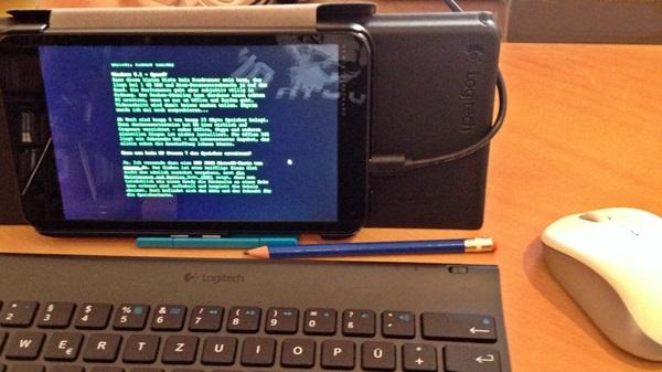 HP Stream 7 mit Maus und Keyboard